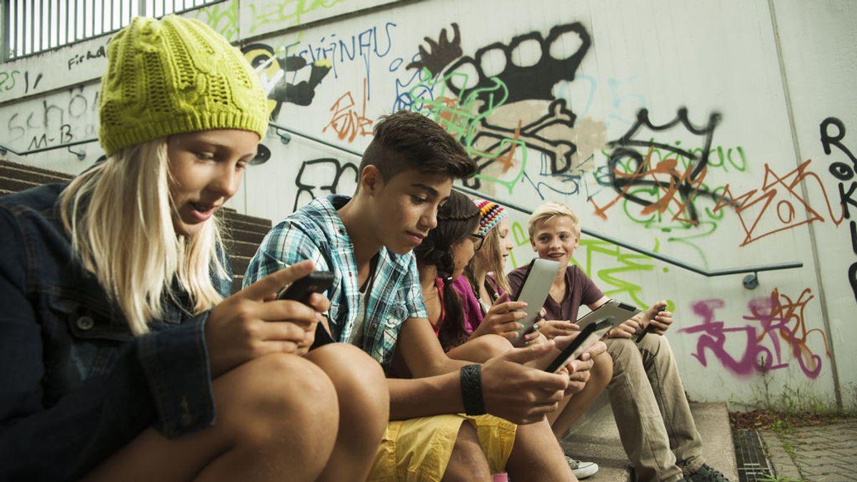 Más tiempo utilizando las nuevas tecnologías significa más infelicidad
