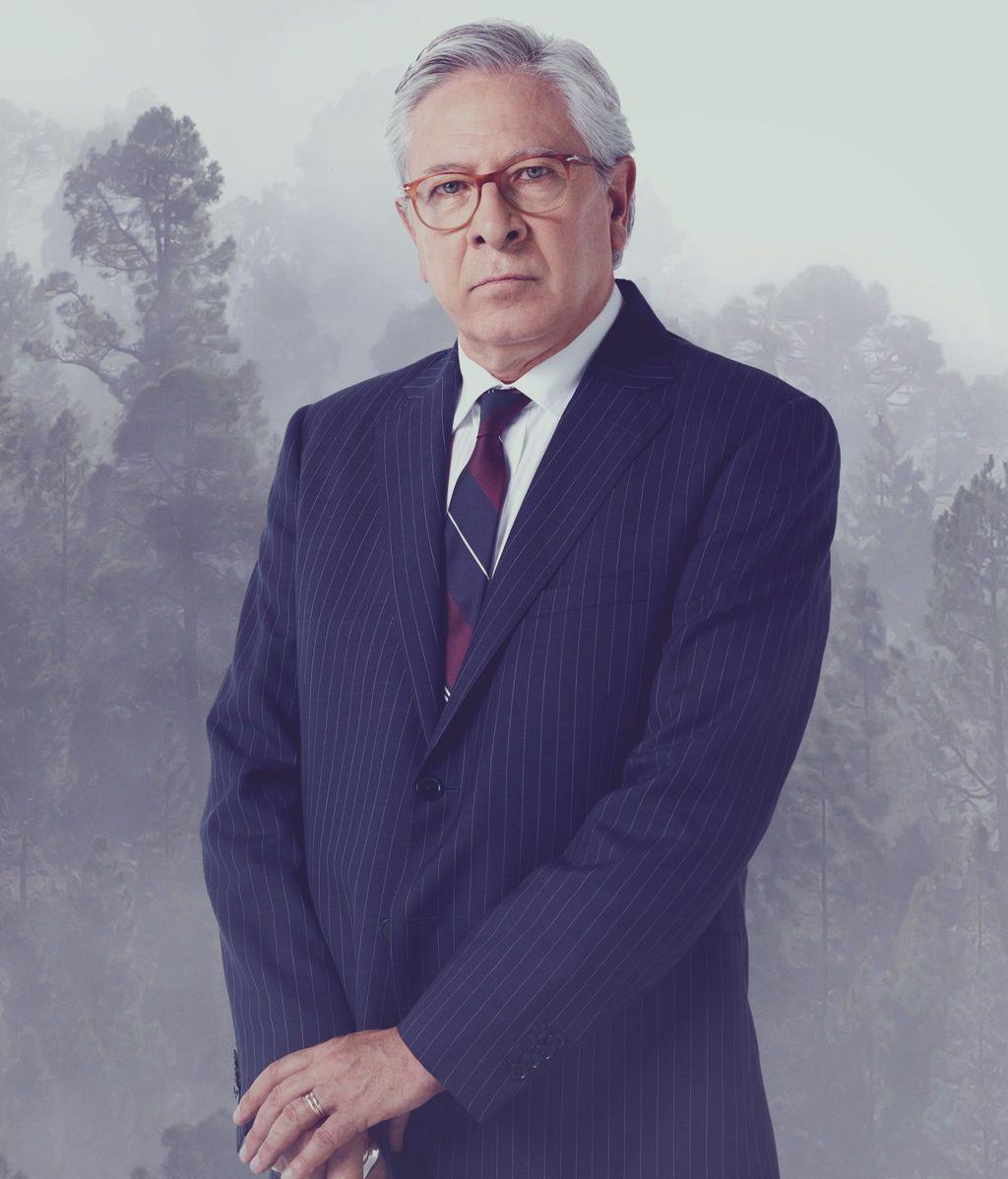 Juan Meseguer es Enrique McMahón