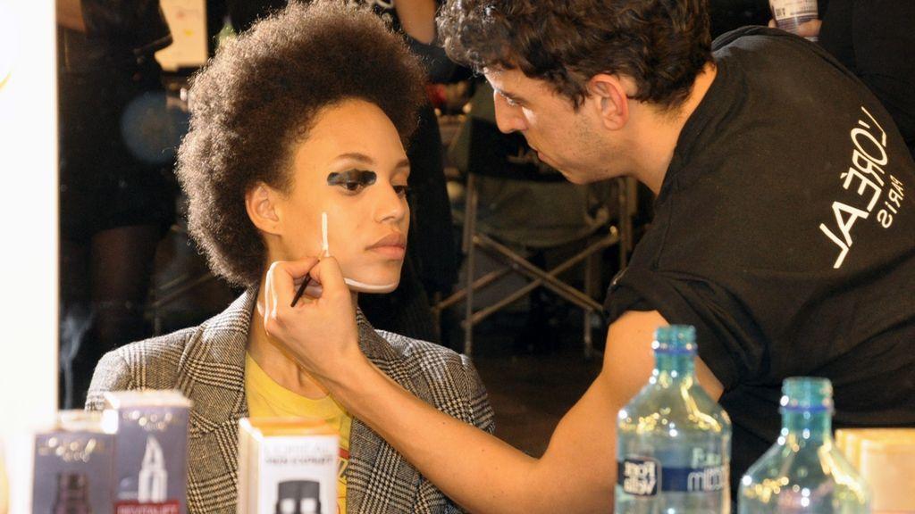El maquillaje tuvo un destacado papel en el desfile de Juanjo Oliva