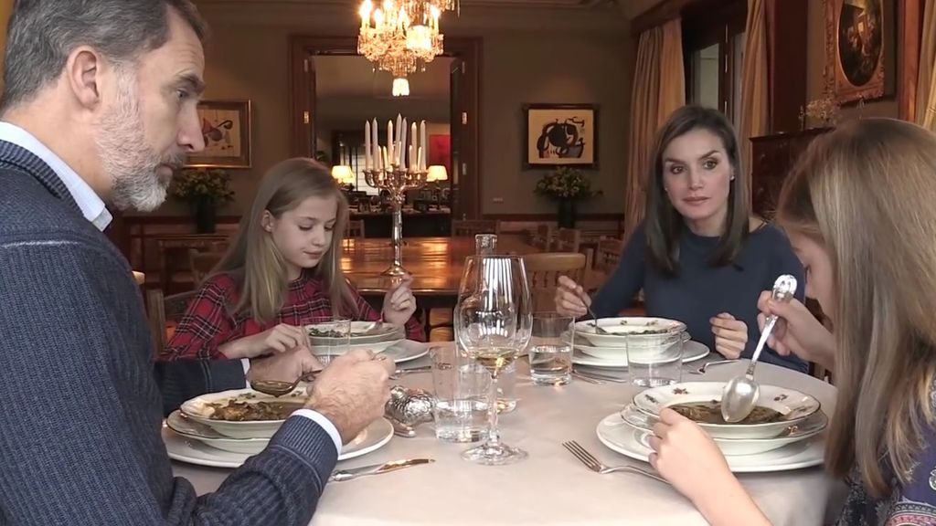 La familia real en Zarzuela: Letizia, Sofía, Leonor y Felipe, como nunca les habías visto