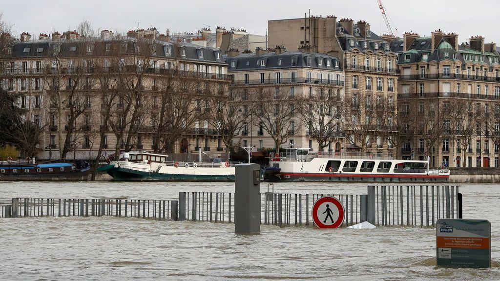 La crecida del Sena obliga a evacuar a 1.500 personas en París