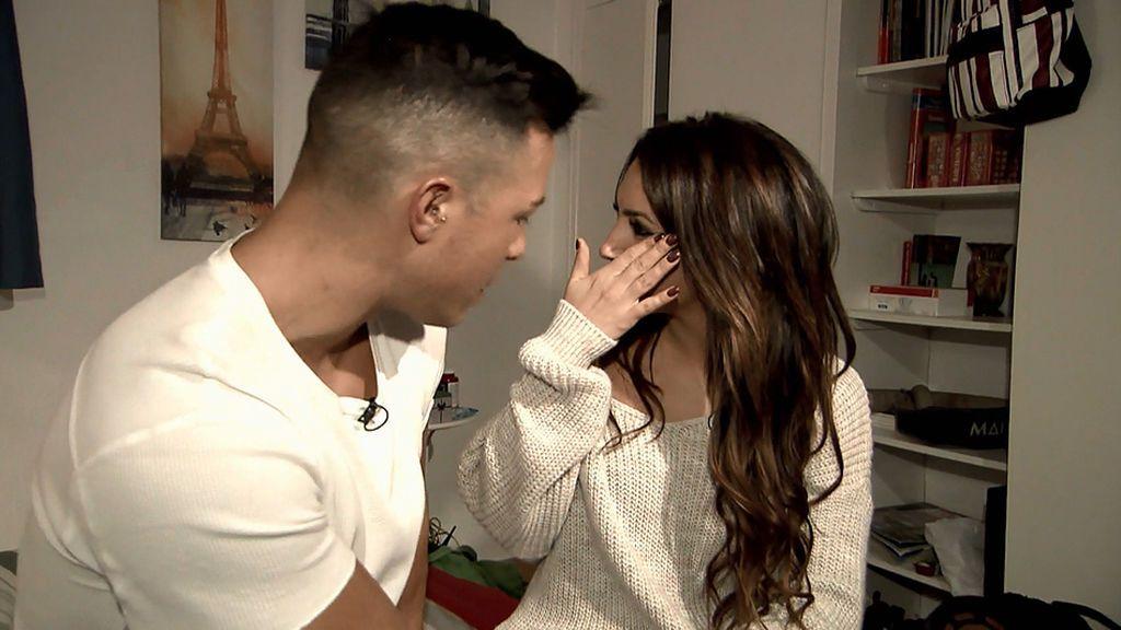 Encontronazo entre Melani y Eric en la 'Casa de los tronistas'
