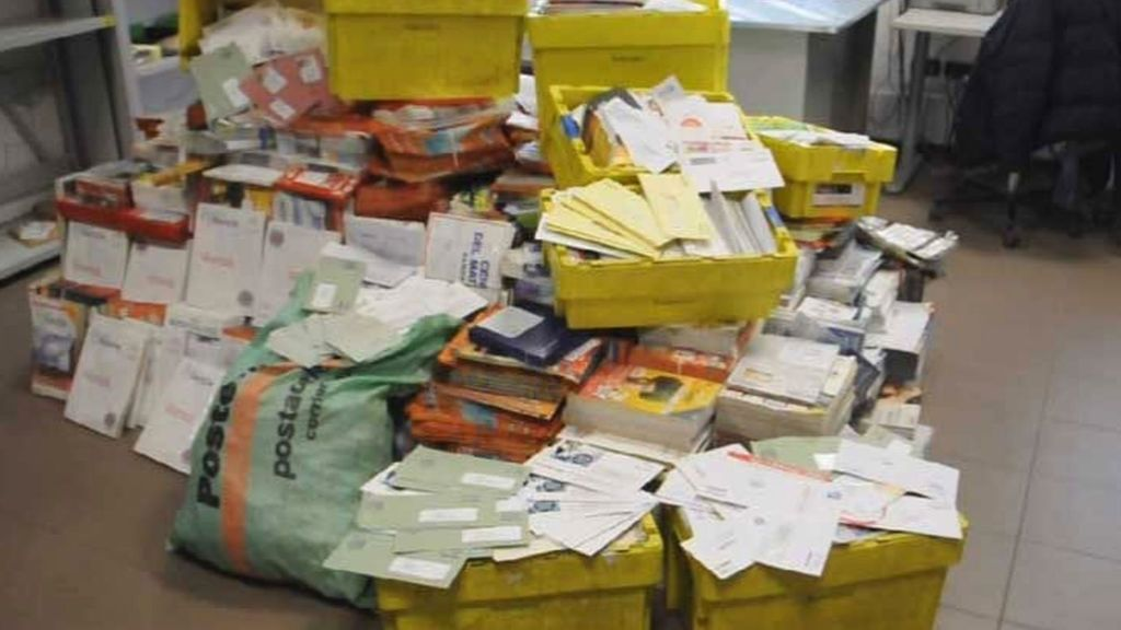 Detienen a un cartero que escondía las cartas y no las entregaba desde 2010