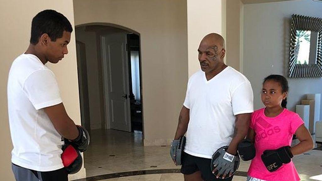 ¡Boxeo por las venas! El brutal entrenamiento de Mike Tyson con sus hijos