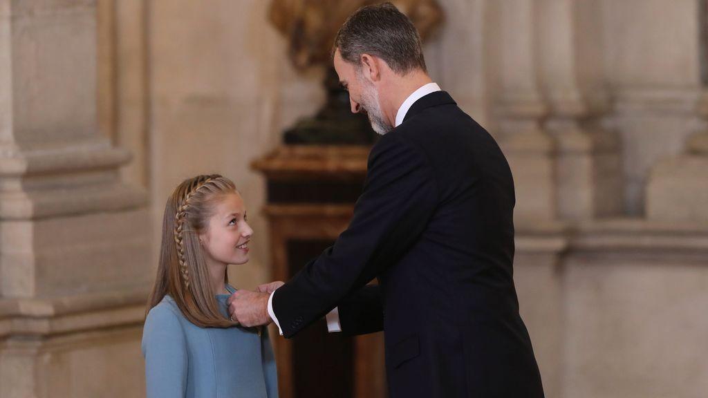 """Felipe VI, tras entregar el Toisón de oro a la Princesa de Asturias: """"Servirás a España con humildad"""""""