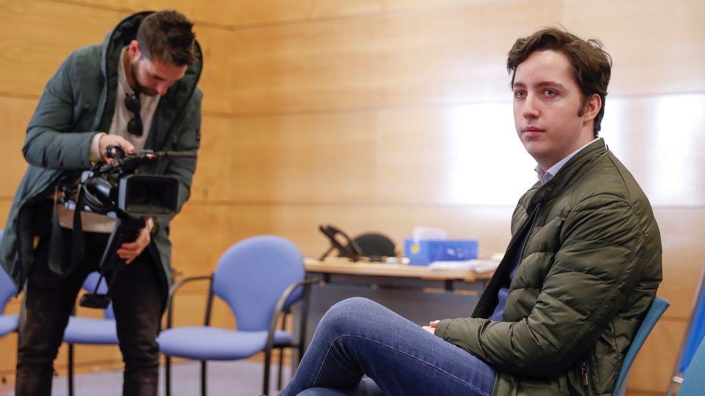 El 'pequeño Nicolás' alega transtornos psiquiátricos en el juicio contra el CNI