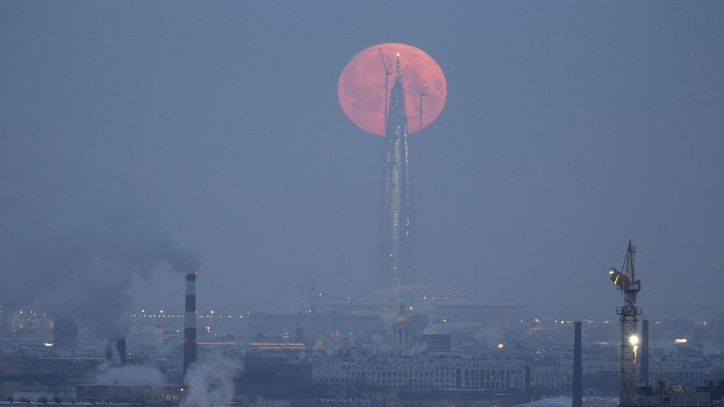 La superluna en San Petersburgo