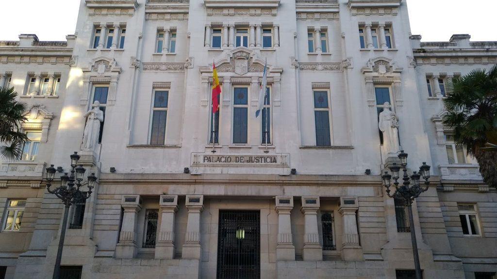 Condenado a 35 años de cárcel por abusar sexualmente de su hijo y de otros dos menores en Galicia