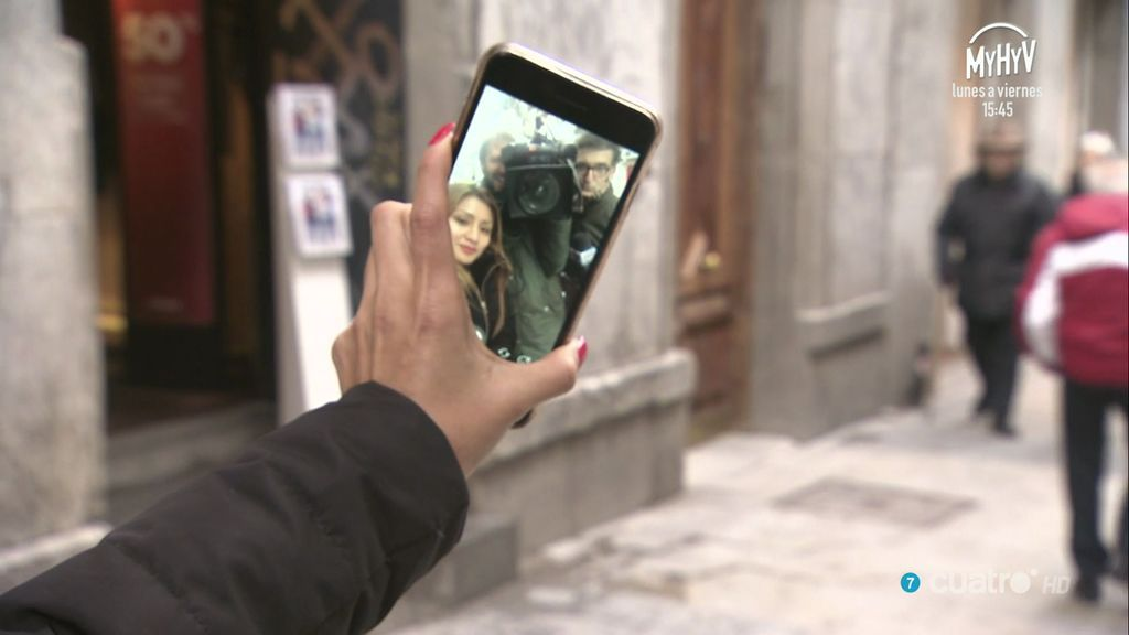 Empezar hablando de selfies y acabar con los vampiros: los talentos de Abascal