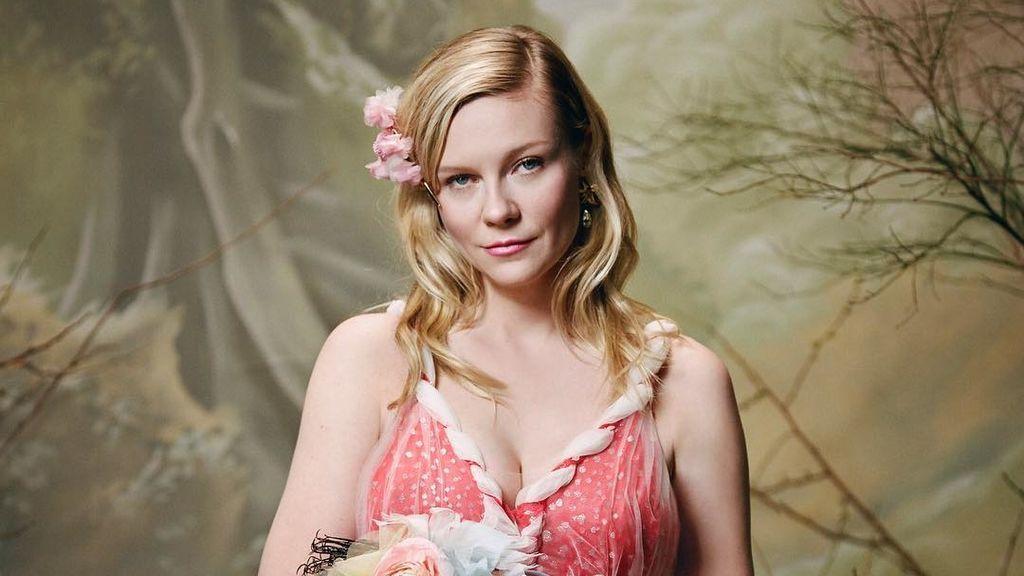 Entre flores y tonos pastel: Kirsten Dunst confirma su embarazo a través de una campaña publicitaria