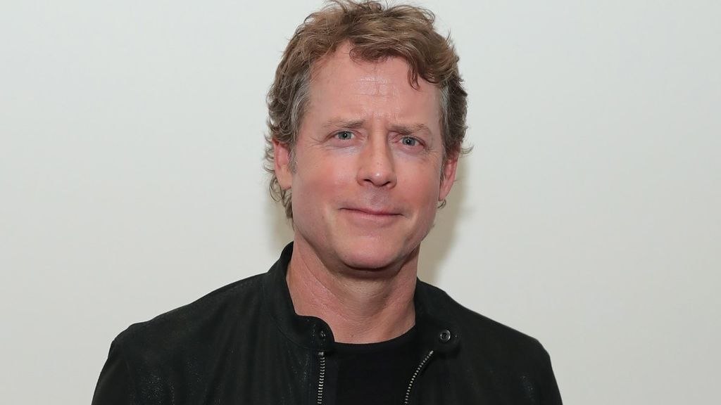 Greg Kinnear.