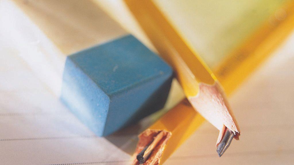 Una niña se envenena tras comer lápices, plumas y algodón