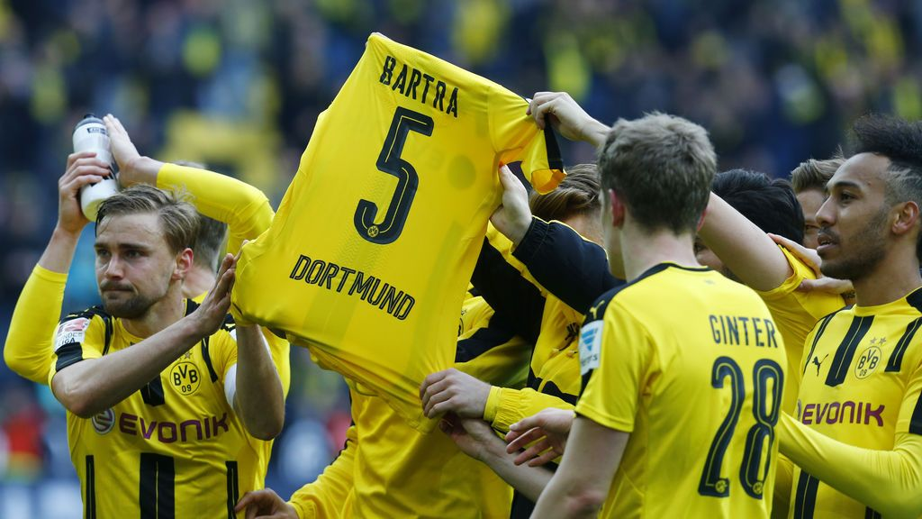 El autor del ataque contra el autobús del Borussia Dortmund y su familia se ofrecen a indemnizar a Bartra con todos sus ahorros