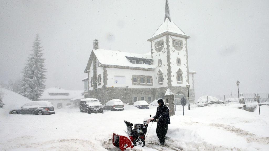 La nieve impide a los alumnos de siete provincias acudir a clase