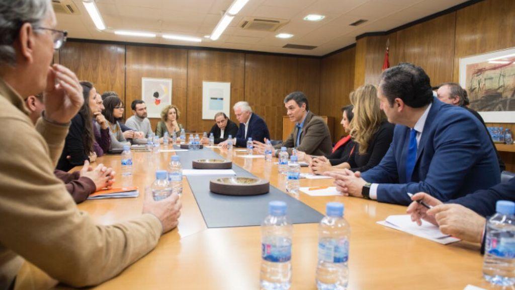 Pedro Sánchez, secretario general del PSOE, en la reunión convocada junto al Consejo de Informativos de TVE.