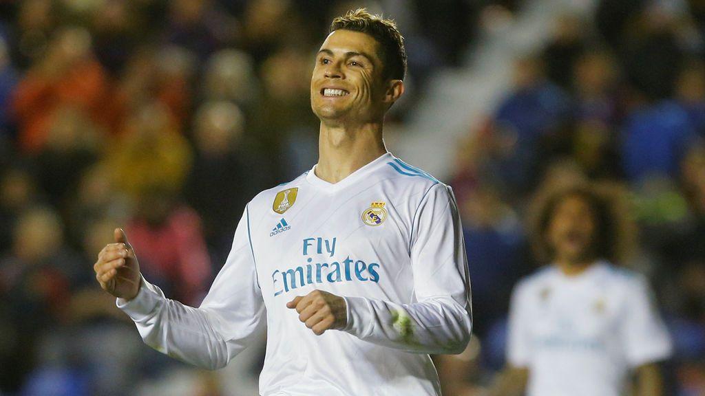 El Real Madrid vuelve a sus naufragios (2-2)
