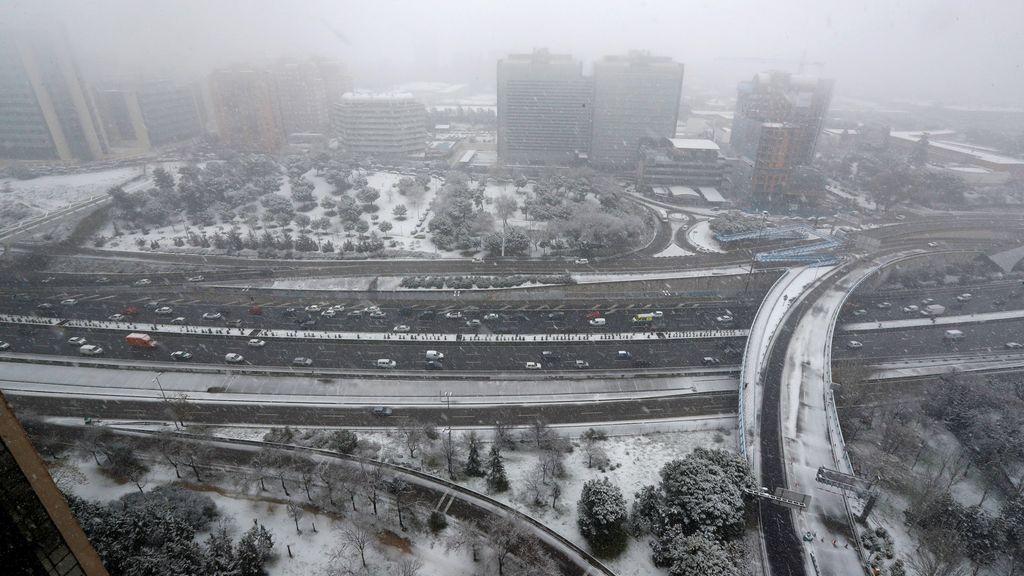 La nieve cuaja en Madrid