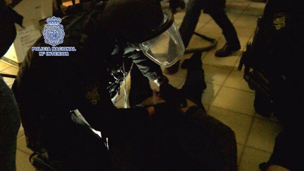 Detienen en Algeciras al narco Sito Miñancos en un operativo que se salda con dos geos heridos en Madrid
