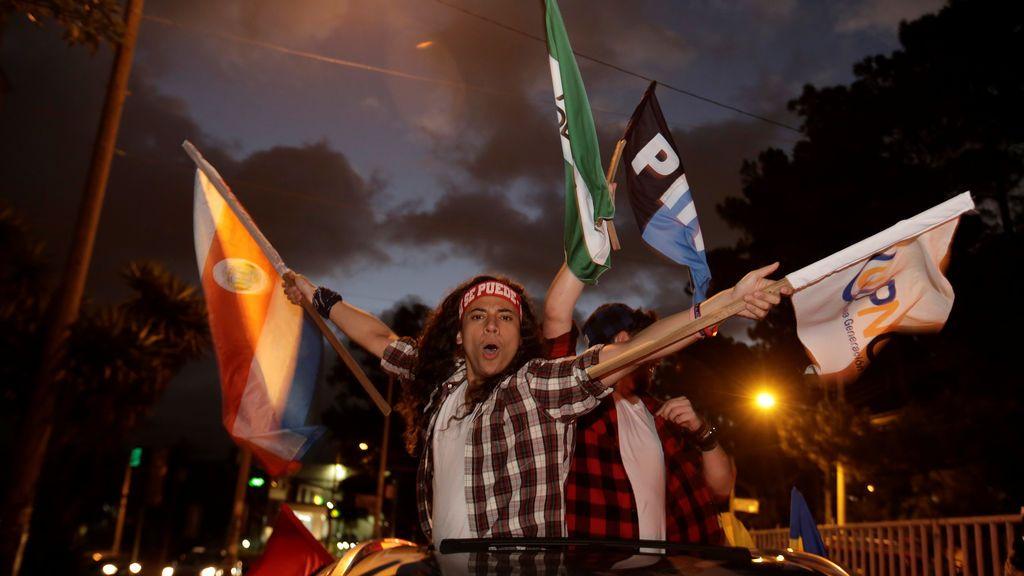 Celebración después de las elecciones presidenciales de Costa Rica en San José