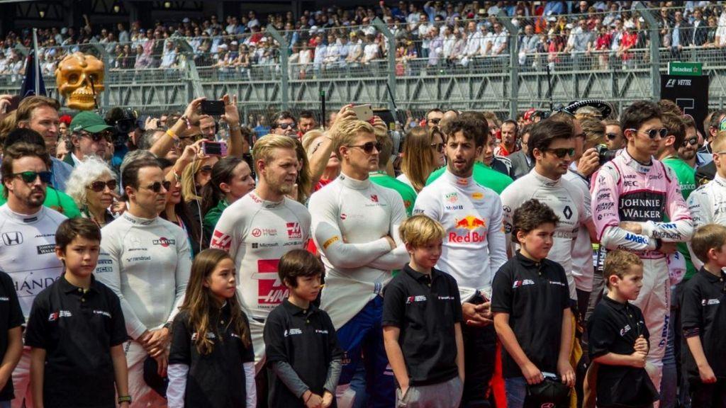 La Fórmula 1 empleará a niños para sustituir a las azafatas en las carreras