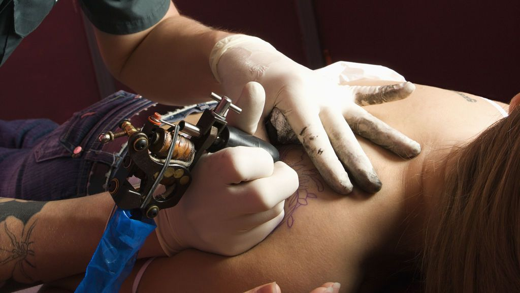 """Se esperan más denuncias, incluso """"ya prescritas"""", contra el tatuador acusado de abusos sexuales"""