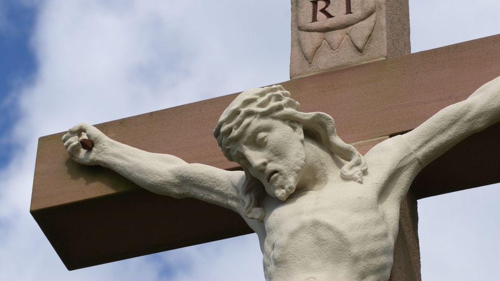 480 euros de multa para un joven por publicar un fotomontaje de un cristo con su cara