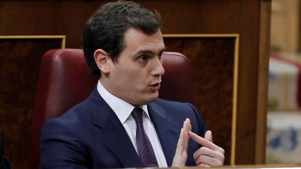 Rajoy reprocha a Rivera que critique más al Gobierno que al independentismo