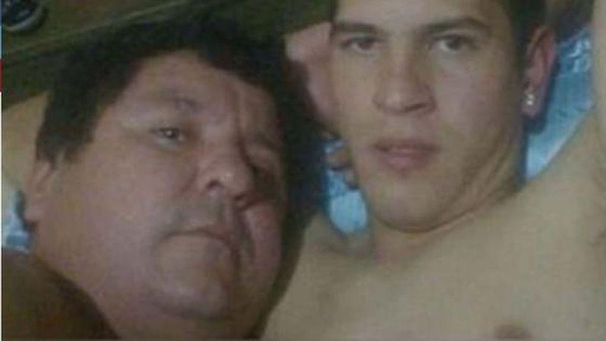 Filtran fotos íntimas del presidente de un club paraguayo con un jugador en la cama