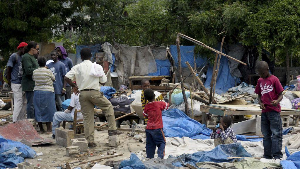 """Una investigación refleja que altos cargos de Oxfam en Haití realizaron """"orgías dignas de Calígula"""""""