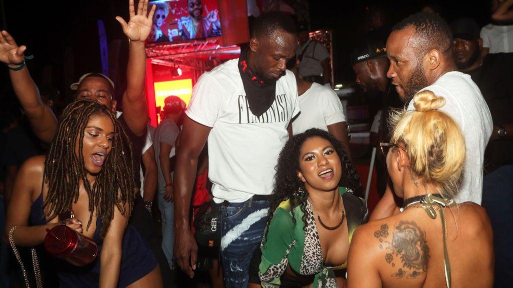 Usain Bolt y sus polémicas fotos 'feministas' subidas de tono en el Carnaval