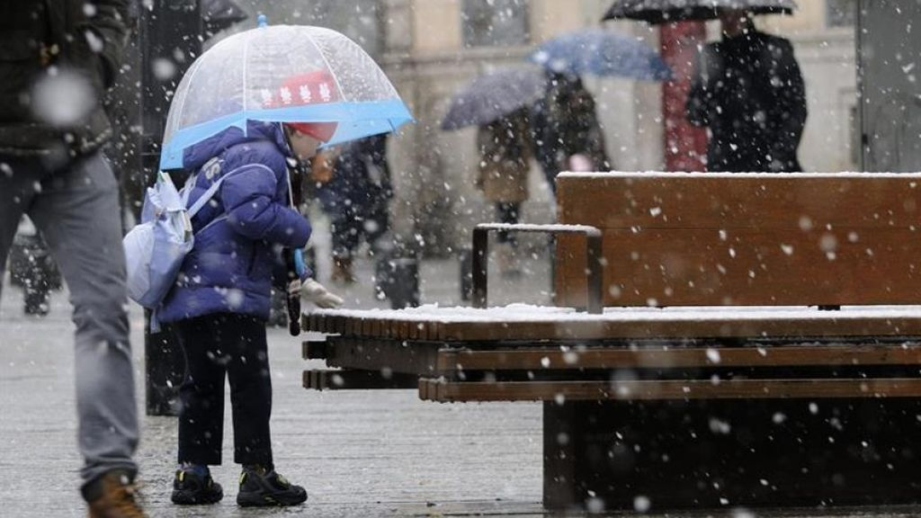 Más frío en la Península: bajan las temperaturas y 21 provincias siguen en alerta