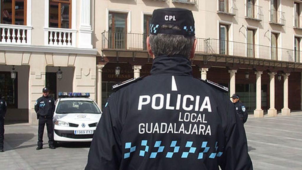 Detenido tras amenazar con un cuchillo a su mujer y su hija en Guadalajara