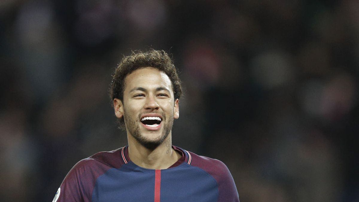 Neymar se tatúa la Champions que ganó con el Barça antes de jugar contra el Real Madrid