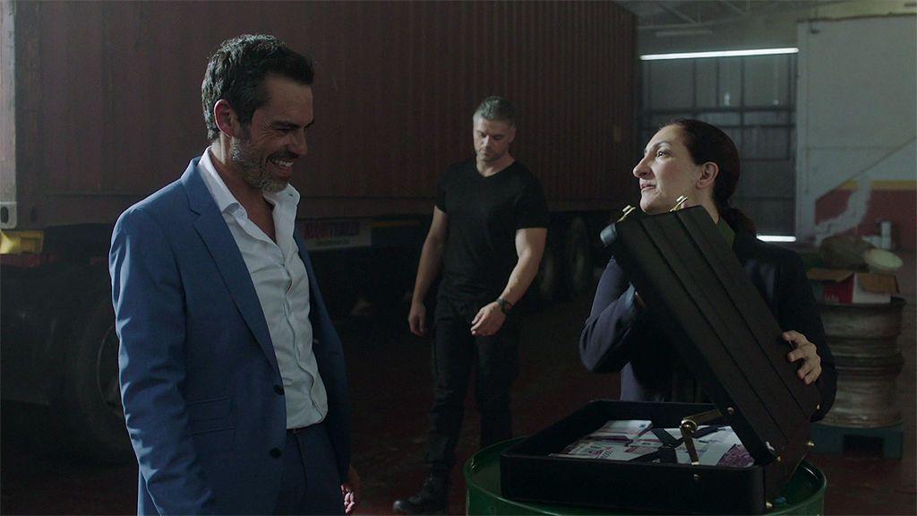 Lula lleva a Paul Bresson el dinero que necesita pero el negocio no acaba como estaba previsto