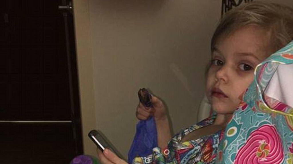 Una niña muere por gripe cuatro días después de que desde el hospital le mandasen a casa