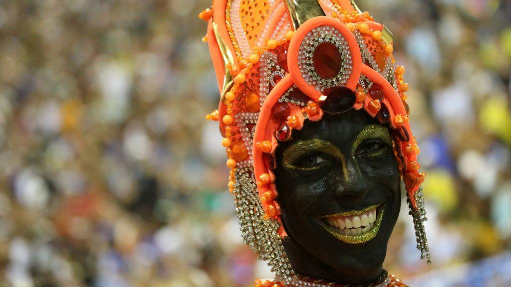 Segunda noche del desfile de Carnaval en el Sambódromo de Río de Janeiro, Brasi