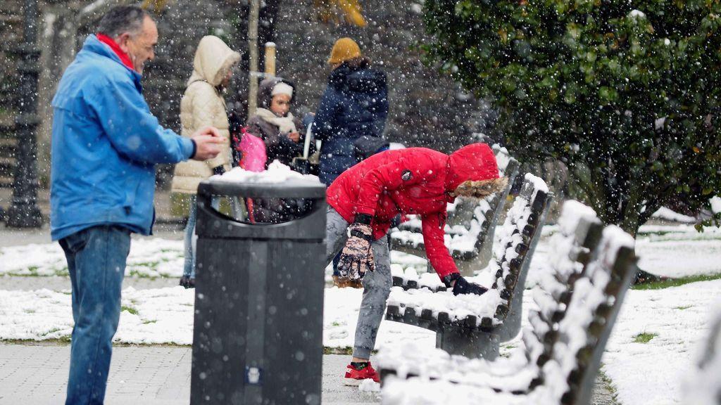 Un total de 28 provincias tiene riesgo por frío, nieve, lluvia, viento o fenómenos costeros