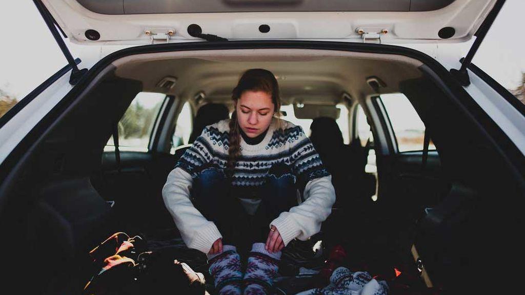 Lo sabemos, te congelas al entrar: trucos para calentar el coche más rápido (cuando fuera hace mucho frío)