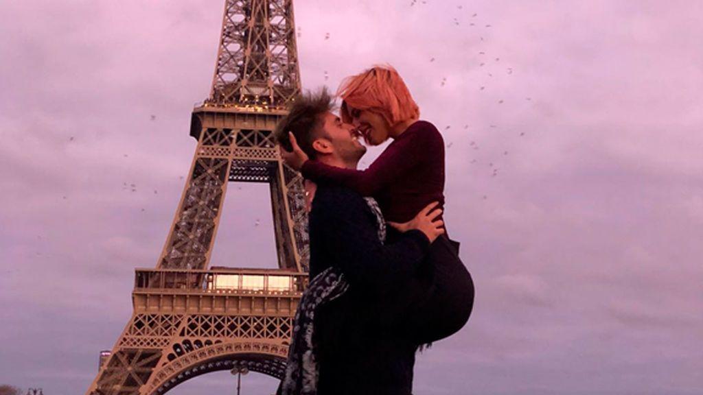 La romántica sorpresa de Bea a Rodri en París. El 'chiconino' se queda sin palabras (1/3)