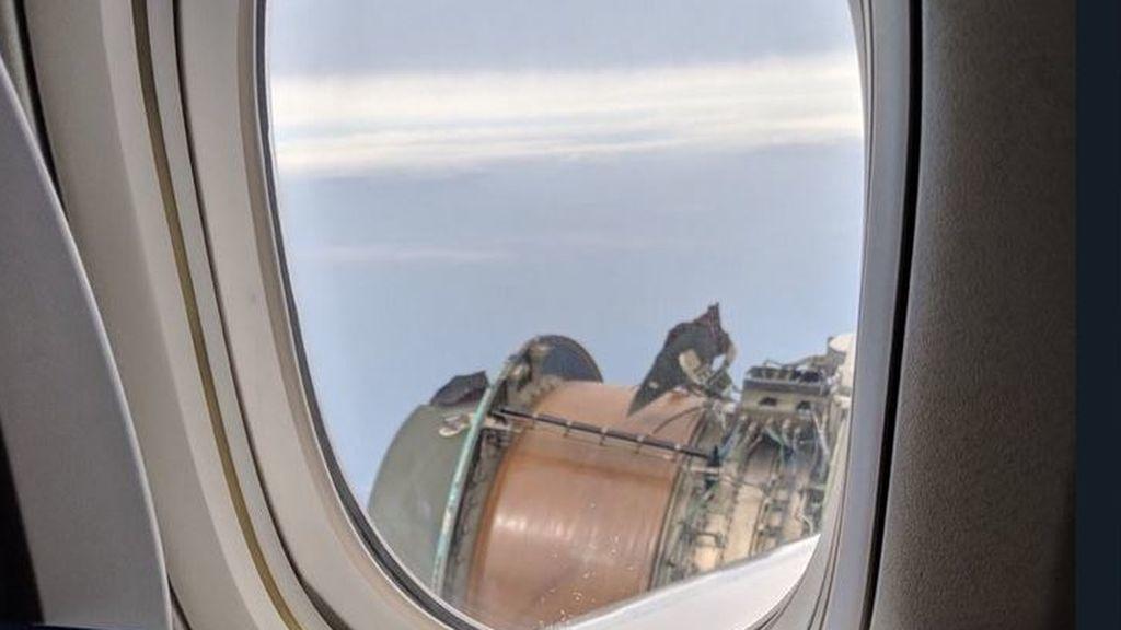 Pánico para más de 300 pasajeros que vuelan en un avión con un motor estropeado