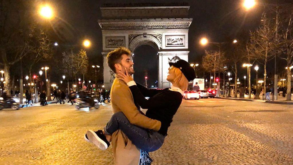 La romántica sorpresa de Bea a Rodri en París. El 'chiconino' se queda sin palabras (2/3)