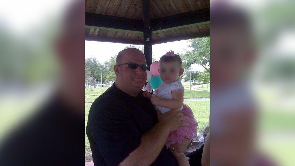 Aaron Feis, el héroe del tiroteo en un instituto de Florida