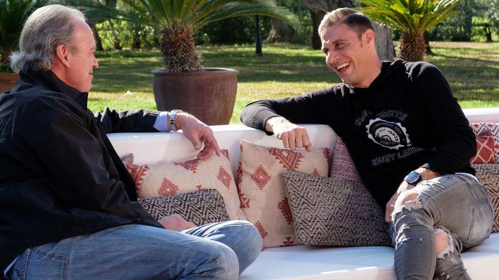 Bertín Osborne recibe a Joaquín Sánchez en su finca sevillana en 'Mi casa es la tuya'.