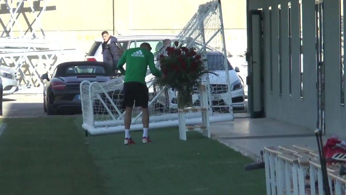 Joaquín y su última locura tras ver unas flores en el entrenamiento del Betis