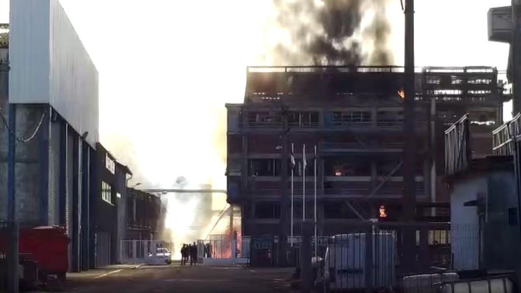 Mueren dos personas en un incendio en una fábrica en Francia