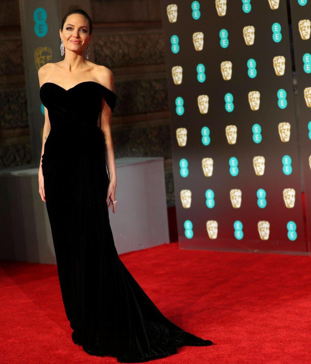 ngelina Jolie en la alfombra roja de los BAFTA