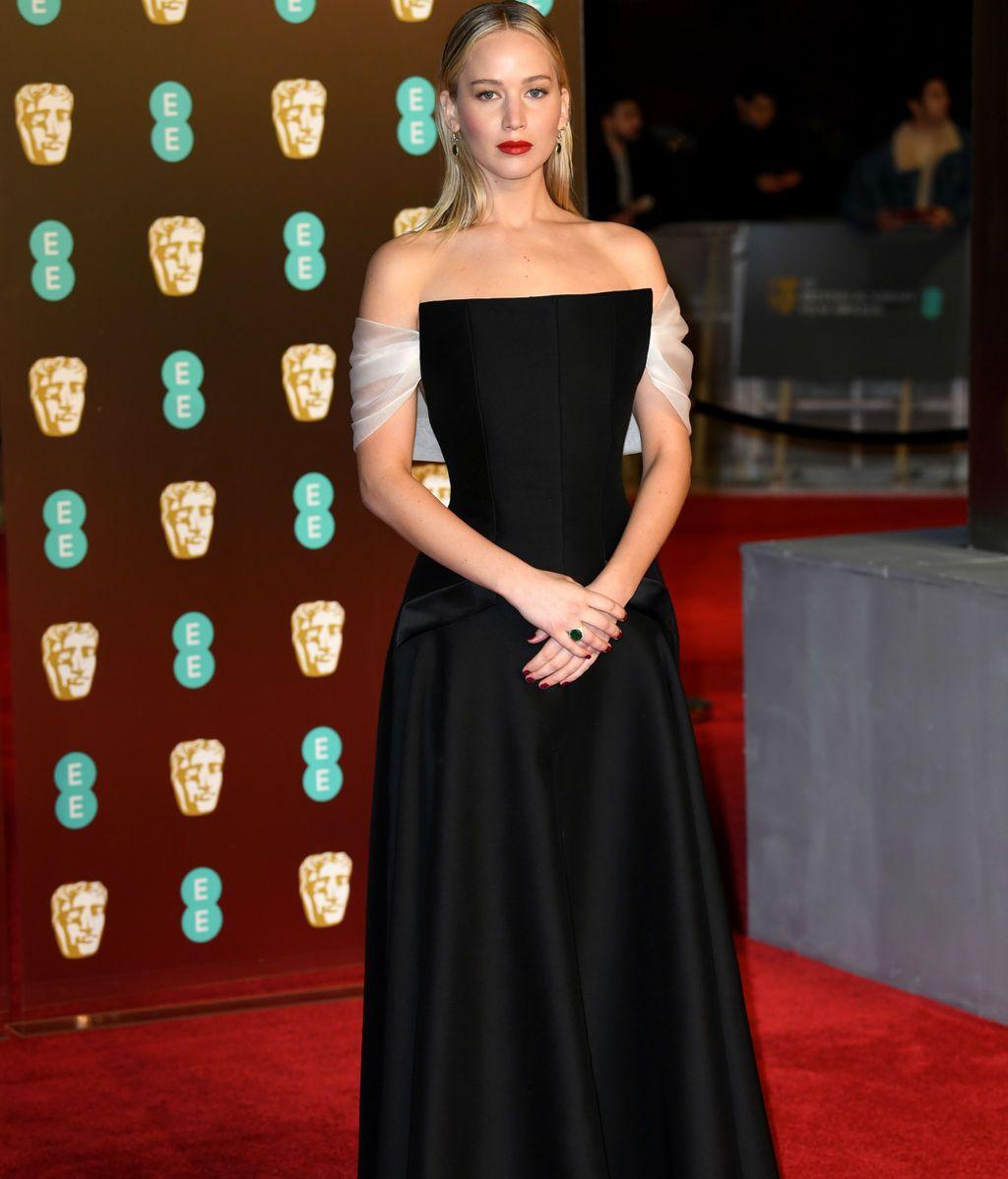Jennifer Lawrence en la alfombra roja de los BAFTA