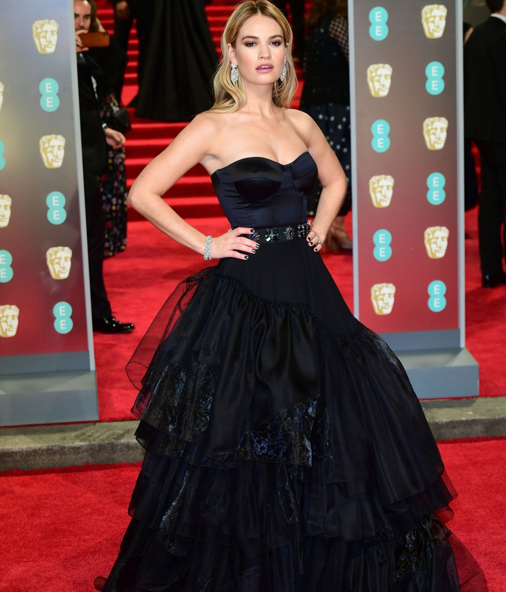 Lily James la alfombra roja de los BAFTA