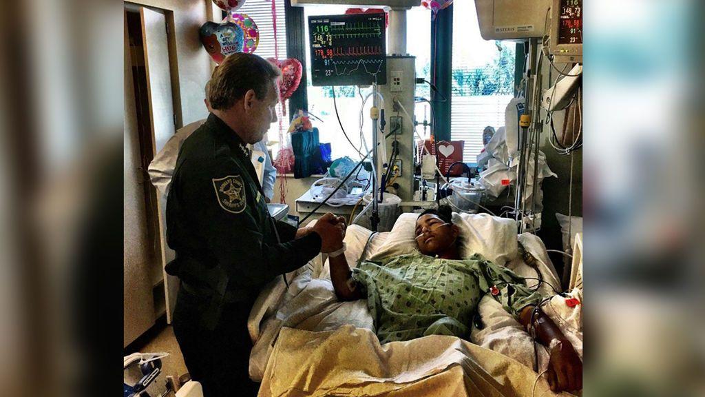 Con 15 años, recibió 5 disparos al intentar proteger a sus compañeros en el tiroteo de Florida