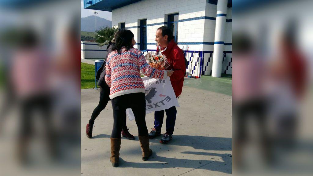 Queda en libertad tras 22 años de prisión el preso de ETA Karlos Cristóbal, que planeó asesinar a Fraga